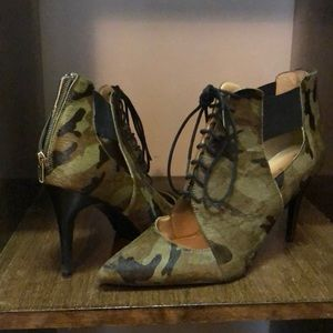 Camp high heels
